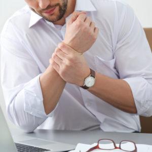 Zespół cieśni nadgarstka coraz częściej spotykany