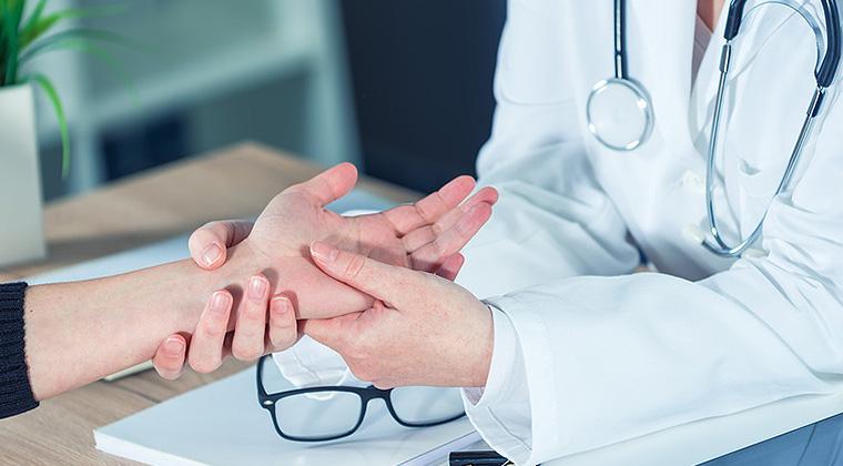 Lekarz reumatolog - Macromedica