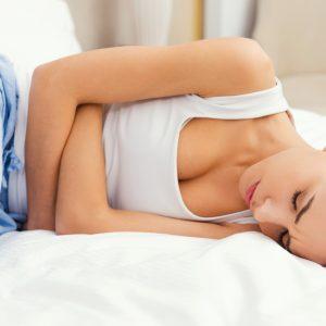Bolesne miesiączkowanie. Jak przetrwać?