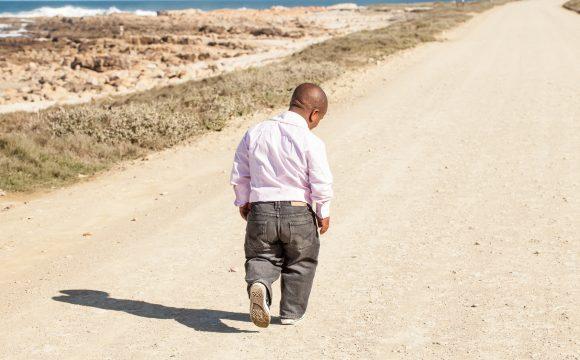 Karłowatość przysadkowa – sprawdź jej przyczyny i sposoby leczenia