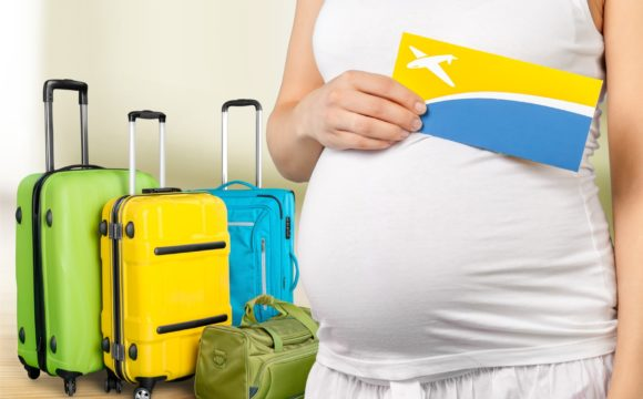 Zimą, w ciąży, w ciepłe kraje? Zasady podróżowania dla ciężarnych.